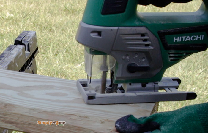 Cutting curves into wood